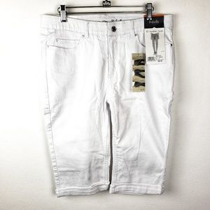 NWT Rafaella | White Comfort Bermuda Shorts 12